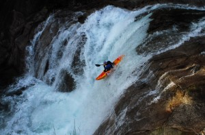 Descenso de Aniol Serrasoles en kayak
